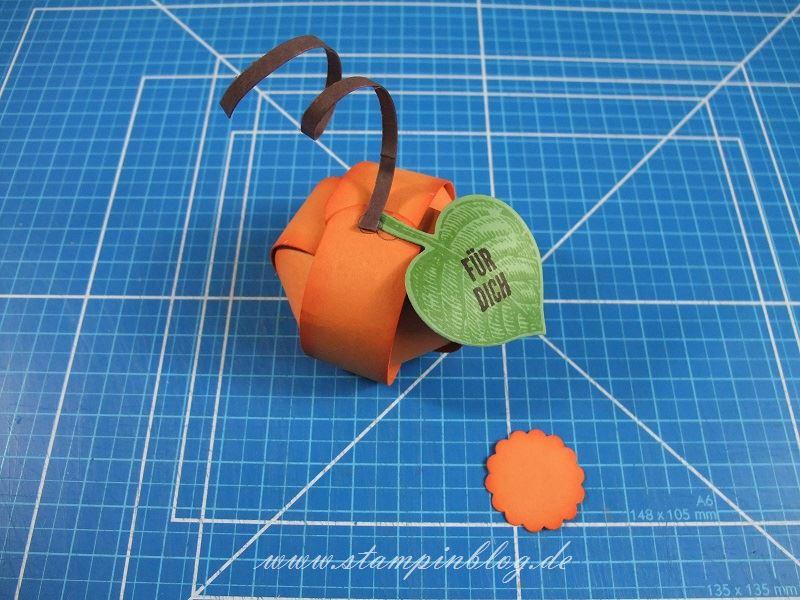 Anleitung-Mini-Kürbis-Halloween-Ferrero-Rocher-Kürbisgelb-Gluedots-Stampinblog-Stampin