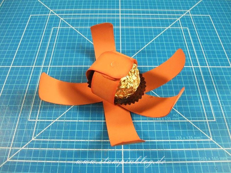 Anleitung-Mini-Kürbis-Halloween-Ferrero-Rocher-Kürbisgelb-Stampinblog-Stampin