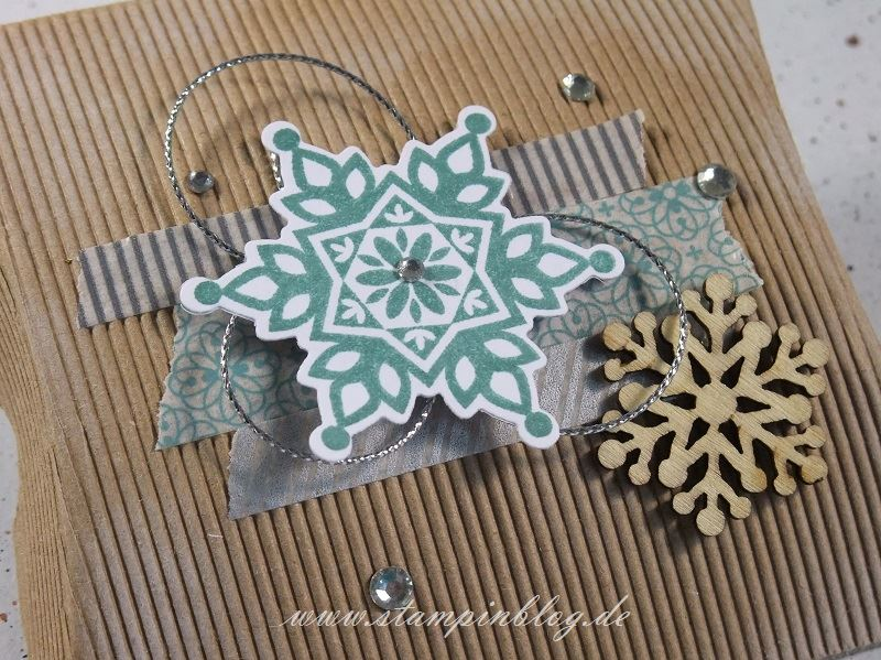 Verpackung-Pillow-Box-quadratisch-square-Winter-Wellpappe-Weihnachten-Schneeflocken-Stampinblog-Stampin