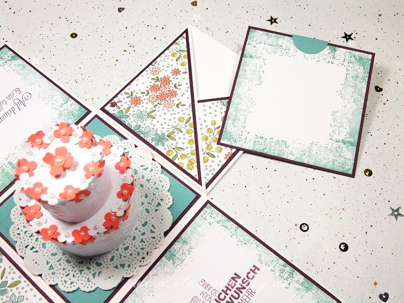 Verpackung-Explosion-Box-Geburtstag-Torte-Lagunenblau-Brombeermousse-Calypso-Stampinblog-Stampin