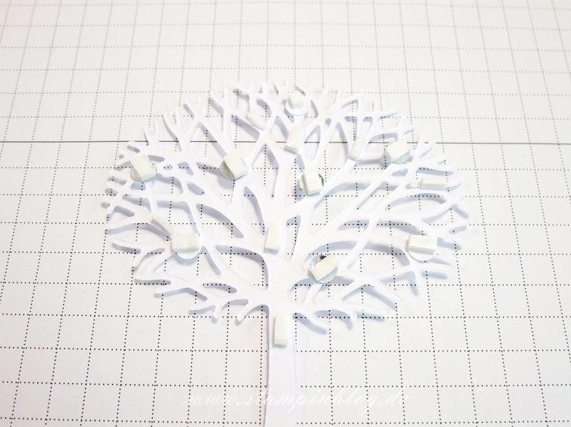 Wald-der-Worte-Anleitung-Baum-Dankeschön-Grüsse-Embossing-ankleben-Pailletten-Stampinblog-Stampin