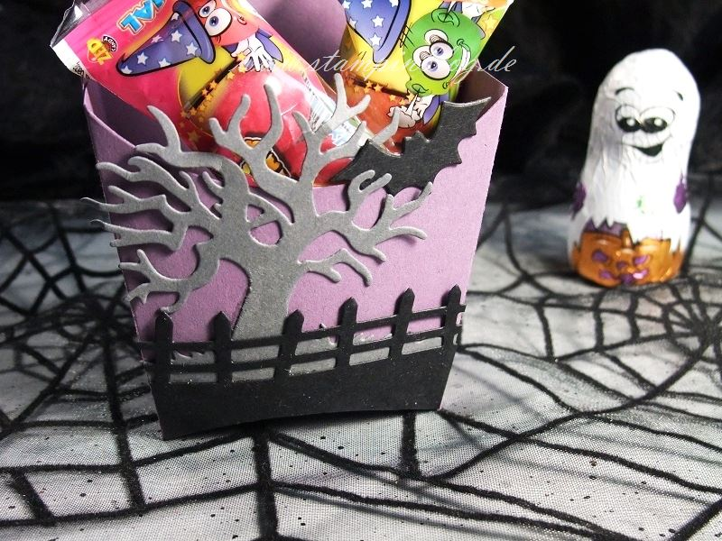 Halloween-Goodie-Pommes-Schachtel-Fledermaus-lila-schwarz-Stampinblog-Stampin